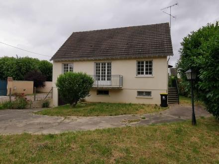 Location Maison 5 pièces Champs-sur-Yonne (89290) - CHAMPS-SUR-YONNE